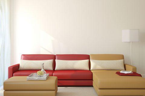 האם לרפד את הספה או לקנות ספה חדשה